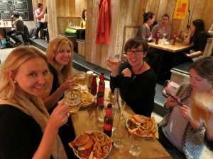 Bloggers, burgers, beers