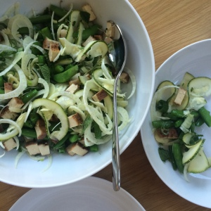 With the recent heatwave only salads will do. Turns out fennel bulbs go through the spiraliser wonderfully! Here they are teamed with courgettes, sugar snap peas, mint & tofu.